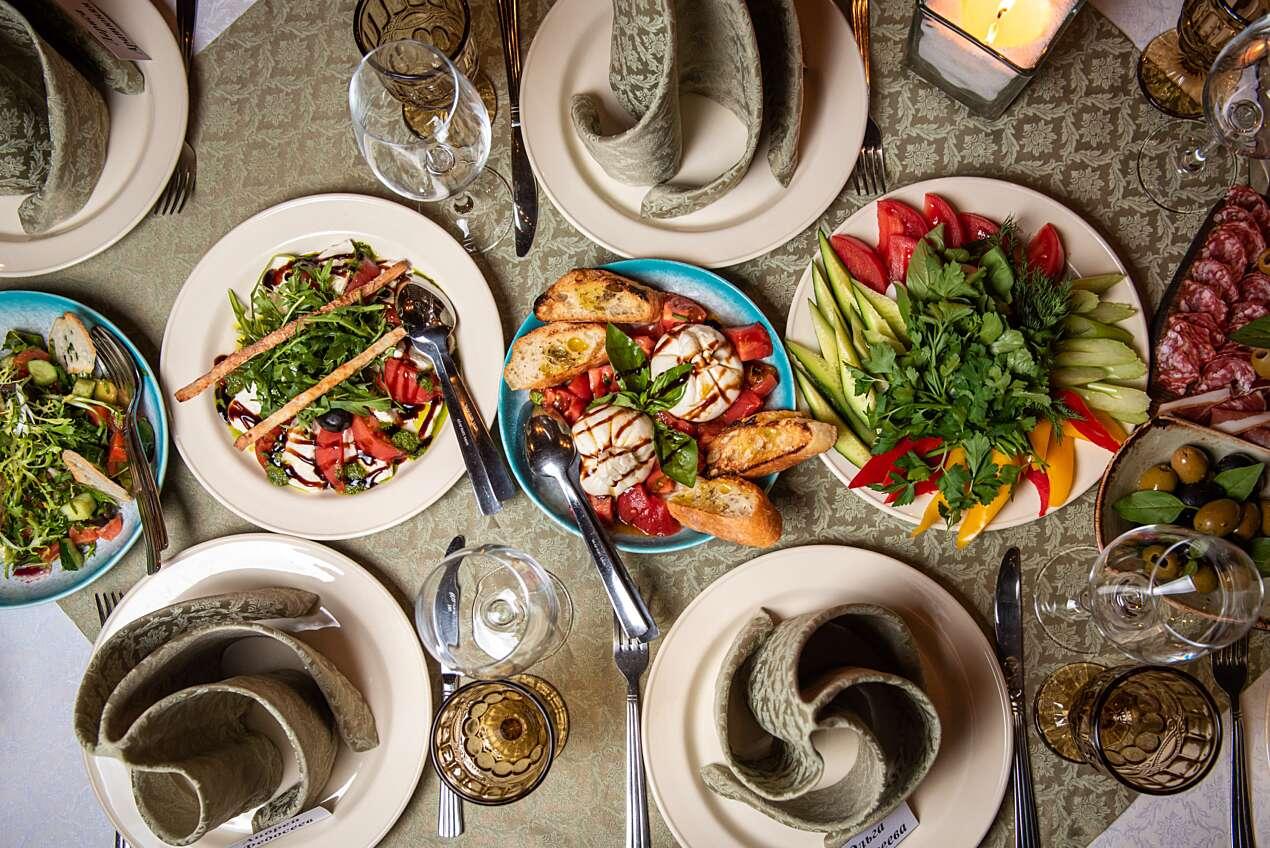 «Космические» предложения ресторанов на 12 апреля в обзоре редактора раздела «Еда» Ольги Соболевой