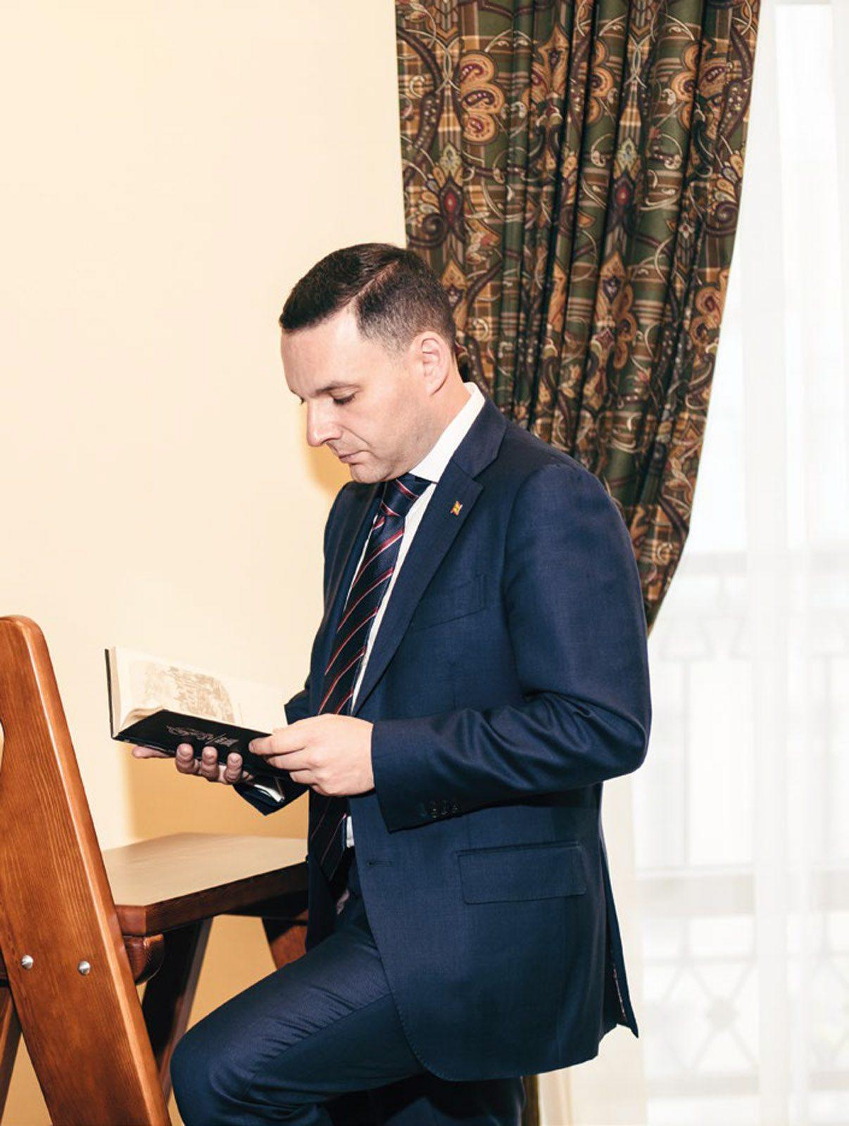 Олег Фирер